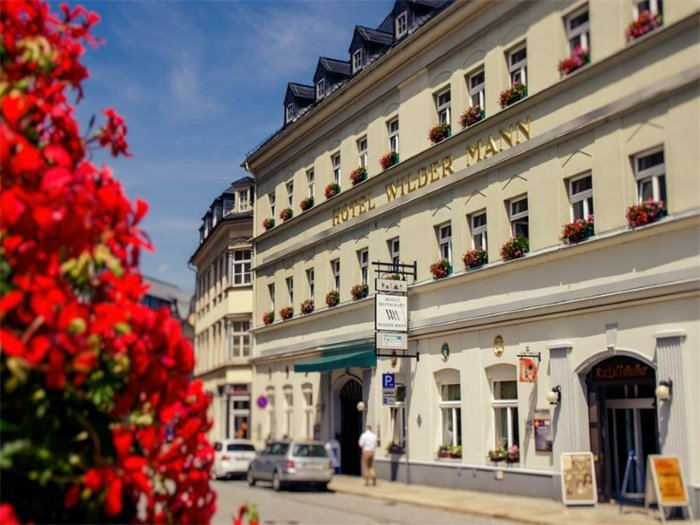 Traditionshotel Wilder Mann - Hotelansicht